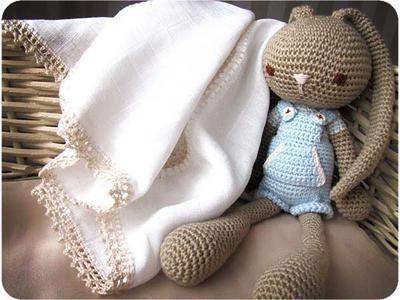 Decorar gasa de bebé con crochet