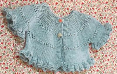 Patrón en español de chaqueta de niña de 9 meses a 1 año