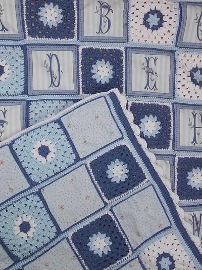 Patrón en español de colcha de bebe realizada a ganchillo y patchwork