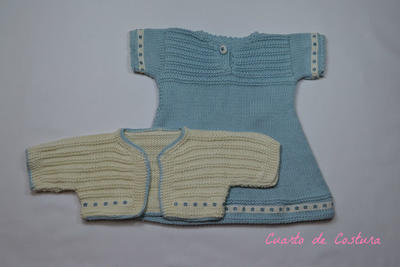 Patrón para conjunto de vestido, chaquetita y patucos para niña de 3 meses