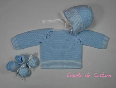 Patrón para conjutno de tres piezas (jersey, gorro y botitas) de lana y perle con sisa en espiga