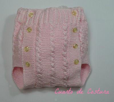 Patrón para cubrepañales de ochos para bebé de 1 mes