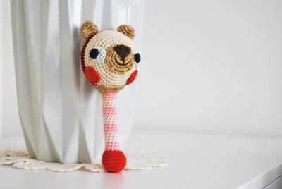 JingleBear - Crochet traqueteo PDF patrón - Amigurumi E-book