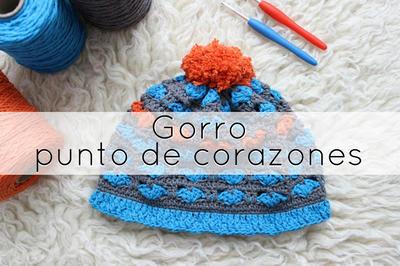 Gorro a punto Corazones a Crochet