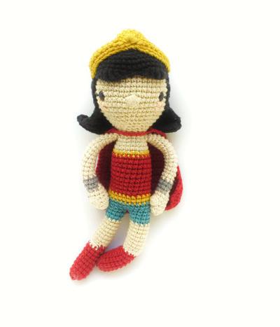 Patrón de ganchillo amigurumi -  La mujer maravilla