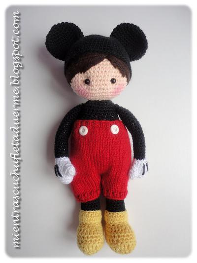 Patrón muñeco de ganchillo inspirado en Mickey Mouse