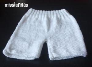 Patrón para pantalón corto de bebé a calceta