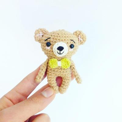 Patrón mini osito a crochet