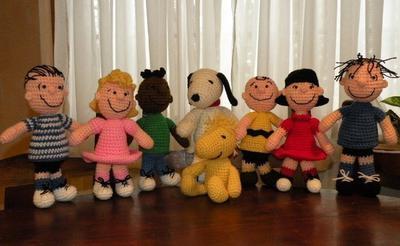 OFERTA especial - 8 amigurumi crochet  de Snoopy, Charlie, Woodstock, Sally, Lucy, Franklin, Linus, pocilga