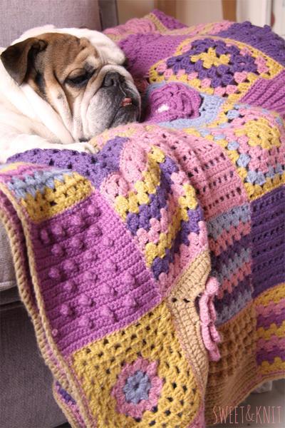 Manta de crochet con popurri de muestras
