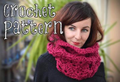 Cuello a Crochet / Punto Abanico Chic