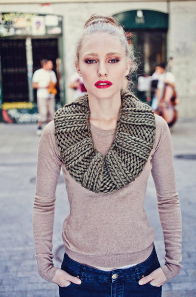 Empire Snood knitting kit