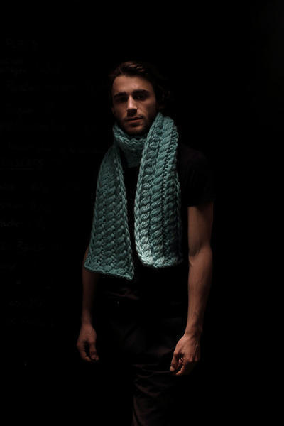 Romi Scarf knitting kit
