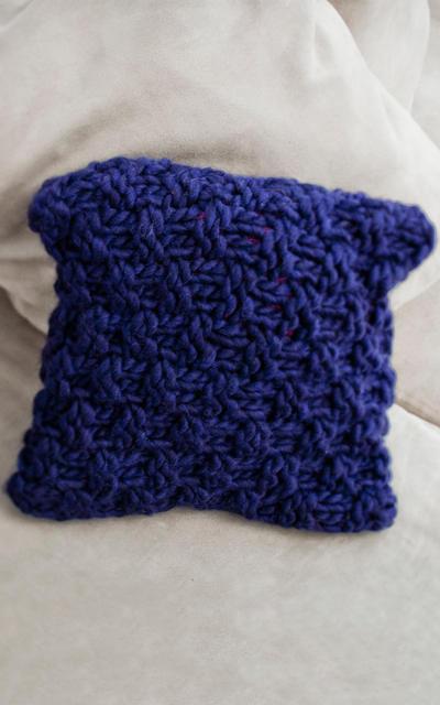 Sake Cushion Knitting kit