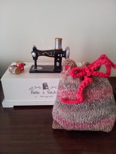 Perfumador con restos de lana