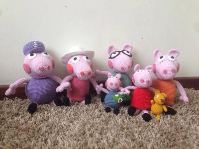 George Pig and Mr. Dinosaur. Crochet with free pattern from ... | 300x400