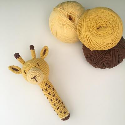 Ginnie the Giraffe Free Amigurumi Pattern   Jess Huff   400x400