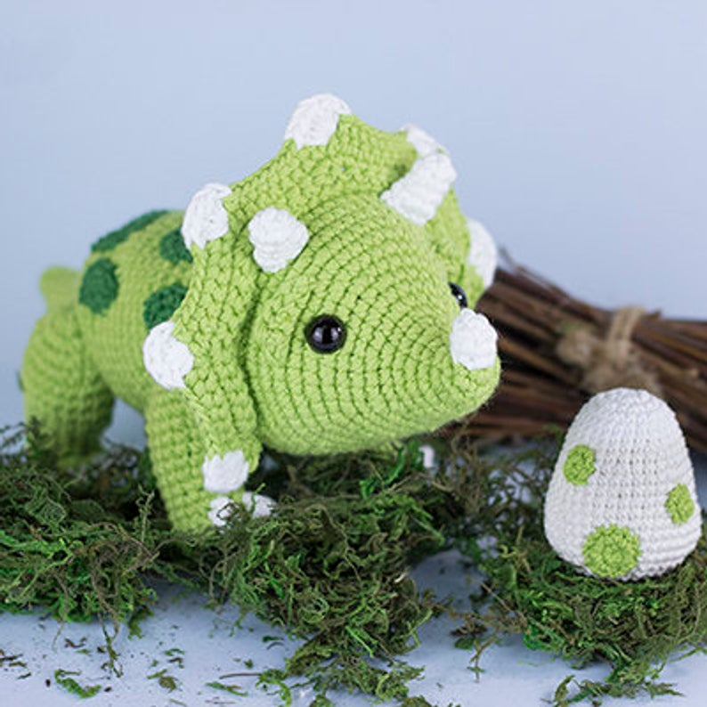 20+ Toy Dinosaur Crochet Pattern – Pattern Giveaway! - A More ... | 794x794