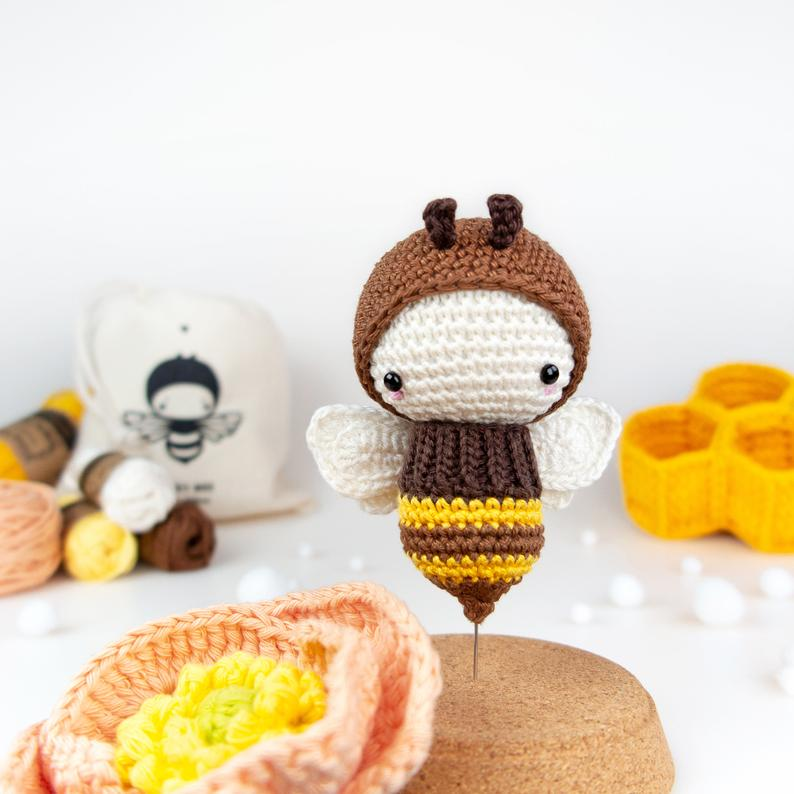 Lalylala Crochet Kit Bee Amigurumi Honey Bumble Poppy