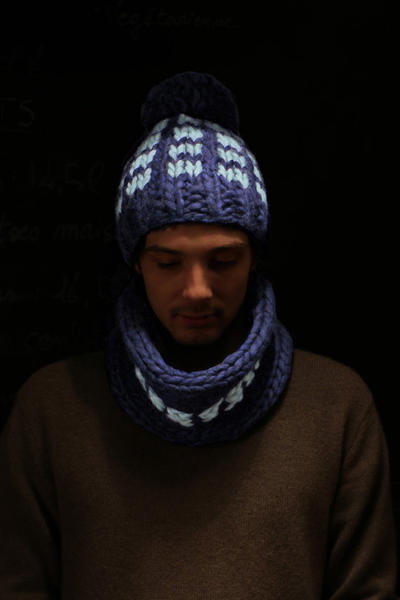 Maco Beanie & Snood knitting kit