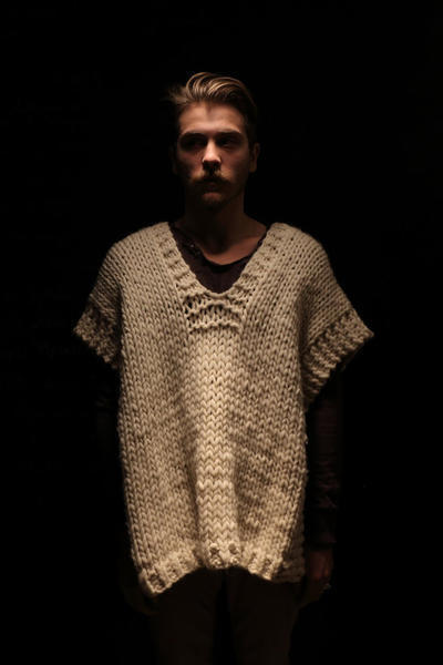 Tonio Poncho knitting kit